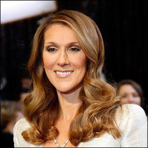 Céline Dion est une chanteuse de nationalité :