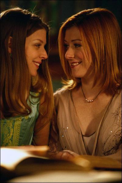 Avec quoi Willow a t-elle fait oublié à Tara leur dispute sur la magie ?