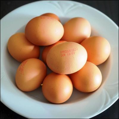 Comment appelle-t-on un œuf cuit de telle manière que le blanc soit solide et le jaune liquide ?