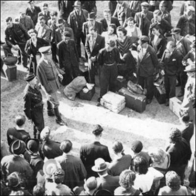 Qu'est-ce que le régime de Vichy a instauré par la loi du 16 février 1943 ?