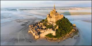 Une des merveilles de la France est le Mont-Saint-Michel. Où se trouve-t-il ?