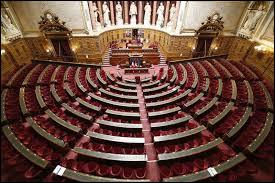 De quoi est composé le Parlement ?