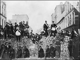 Qu'est-il arrivé aux archives de Paris lors de la Commune en 1871 ?