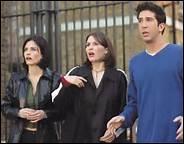 Quel prénom Ross a-t-il prononcé lors de son mariage avec Emily ?