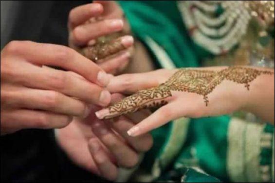 Le mariage sera célébré devant deux adouls. Qu'est-ce qu'un adoul ?