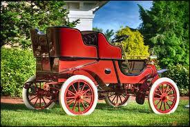 Quelle est cette luxueuse voiture de 1903, construite par Henry M. Leland, à Détroit (États-Unis) en 1903 ?