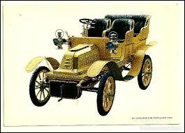 """Par quelle société fut construite, en 1903, cette première voiture """"utilitaire"""" européenne ?"""