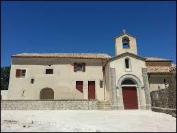 Notre balade commence devant l'église Saint-Saturnin d'Agonès. Commune occitane, elle se situe dans le département ...
