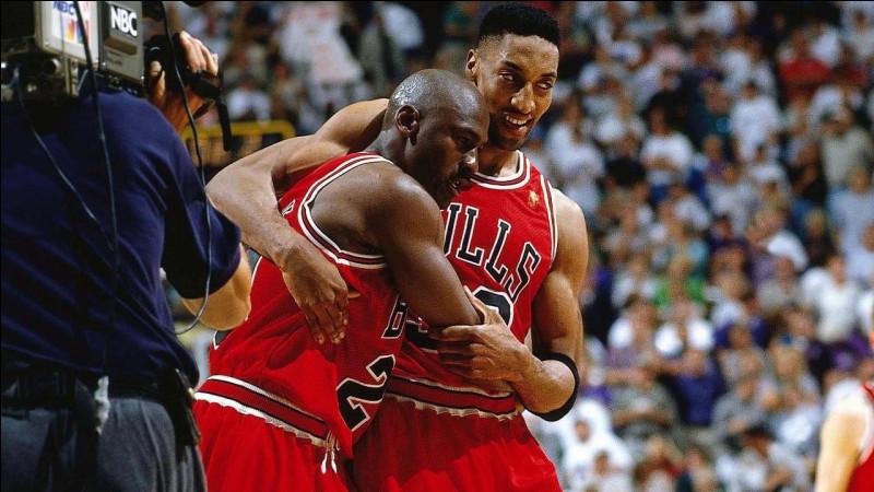Lors du 5e match de la finale de la saison NBA 1996-1997, contre quelle équipe MJ réussit-il à marquer 38 points dont un panier à trois points décisif, alors qu'il était atteint de la grippe ?