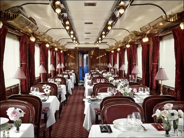 """Lors de votre trajet, vous serez sans doute amené à avoir faim. Vous vous arrêterez alors dans une """"voiture-restaurant"""" pour déjeuner. Savez-vous de combien de ces voitures l'Orient-Express était-il composé ?"""