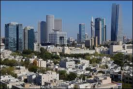 Téhéran se situe en :