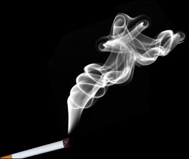 Qui lance en attaque des nuages de fumée toxique ?