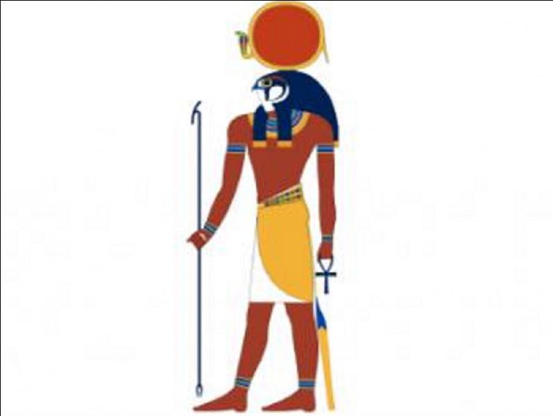 Quel est le dieu du disque solaire dans la mythologie égyptienne ?