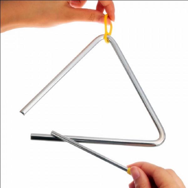 De quelle famille d'instruments, le triangle fait-il partie ?