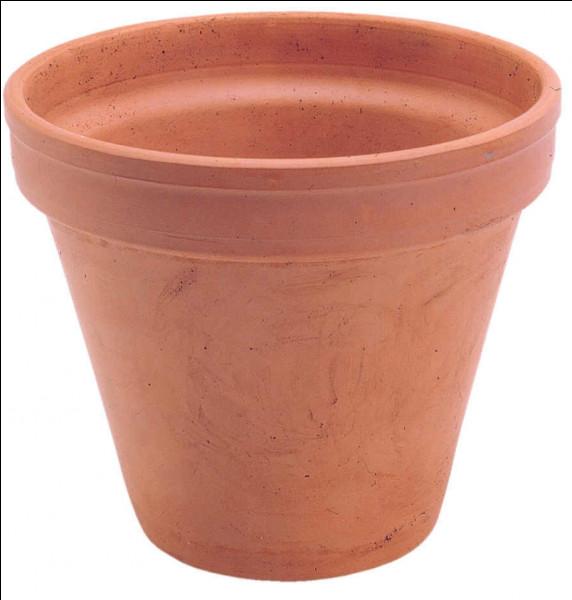 Je sers à planter des plantes en intérieur.