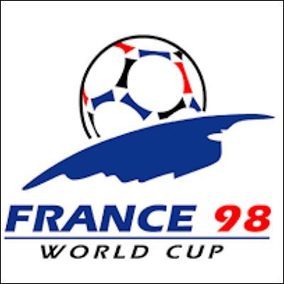Quel chanteur latino a sorti un hymne non officiel pour la Coupe du Monde de football 1998 ?