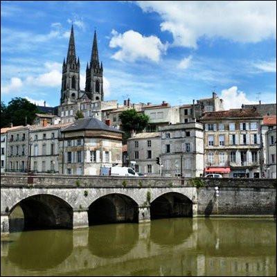 Quel département français de Nouvelle-Aquitaine a pour préfecture Niort ?