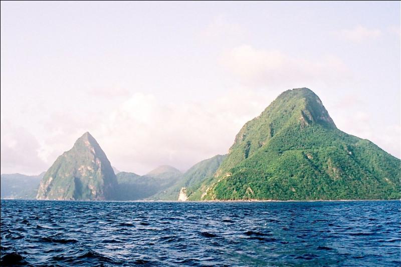 Où se trouve l'île Robinson Crusoé ?