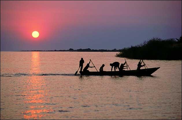 """Le """"big five"""" est un grand lac Africain."""