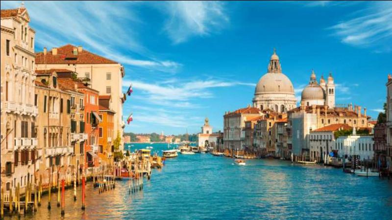 Venise est la capitale de la région de Vénétie en Italie.