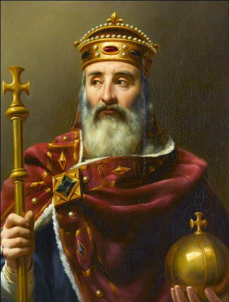 C'est Charlemagne qui a inventé l'école gratuite, laïque, publique et obligatoire que l'on connaît aujourd'hui.