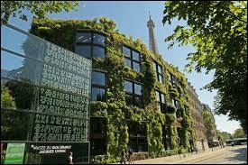 Quel grand architecte a réalisé le musée du Quai Branly (qu'on appelle souvent musée Chirac), qui est un musée des Arts et Civilisations d'Afrique, d'Asie, d'Océanie et des Amériques, inauguré en 2006 ?
