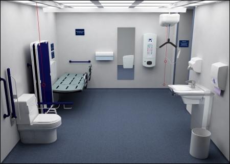 De part et d'autre du navire, plusieurs sanitaires sont installés. Où se trouve le miroir ?