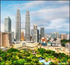 Dans quelle capitale aurons-nous la chance de voir les tours jumelles Petronas ?