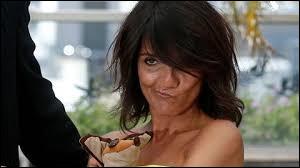 Qui est cette humoriste, la préférée des Français, ayant remporté le Globe de Cristal 2010 du meilleur spectacle avec son one-woman-show et qui a créé la polémique lors de la cérémonie de la 45e édition des César, en manifestant ouvertement sa réprobation quant à l'attribution du César du meilleur réalisateur à Roman Polanski, accusé de viol et de pédophilie ?