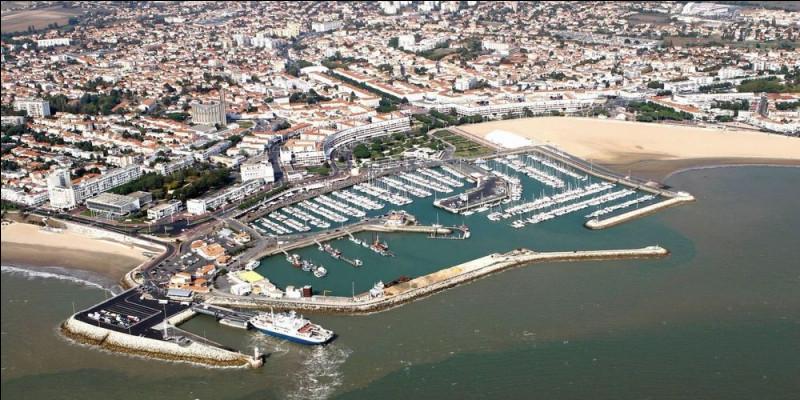 Ville de 18 000 habitants du département de Charente-Maritime, située dans la presqu'île d'Arvert, à l'embouchure de la Gironde :