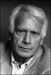 Cet écrivain, scénariste et homme politique espagnol, auteur d'ouvrages autobiographiques, de témoignages, réflexions autour de sa déportation à Buchenwald - Le Grand Voyage, L'Évanouissement, Quel beau dimanche, L'Écriture ou la Vie, c'est ... Semprún.