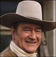 """Cet acteur américain a joué dans nombre de westerns tels que """"La Chevauchée fantastique"""", """"La Prisonnière du désert"""", """"L'Homme qui tua Liberty Valance"""", """"Rio Bravo"""" : il se prénomme ..."""