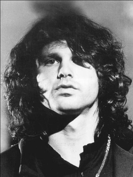 """Ce chanteur de rock américain, cofondateur du groupe """"The Doors"""", mort à 27 ans en 1971, se prénomme ..."""