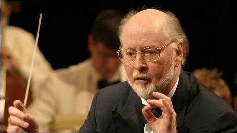 """Ce compositeur américain, connu pour ses musiques des films """"les Dents de la mer"""", """"E.T. l'extra-terrestre"""", """"Indiana Jones"""", et de la saga """"Star Wars"""", se prénomme ..."""