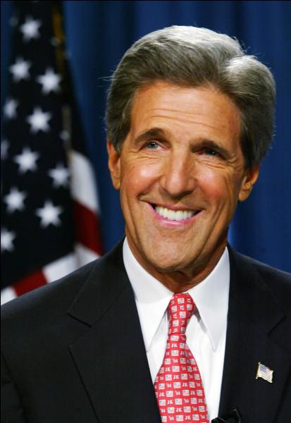Cet homme politique américain, candidat du parti démocrate à l'élection présidentielle de 2004, secrétaire d'Etat de 2013 à 2017, c'est ... Kerry.
