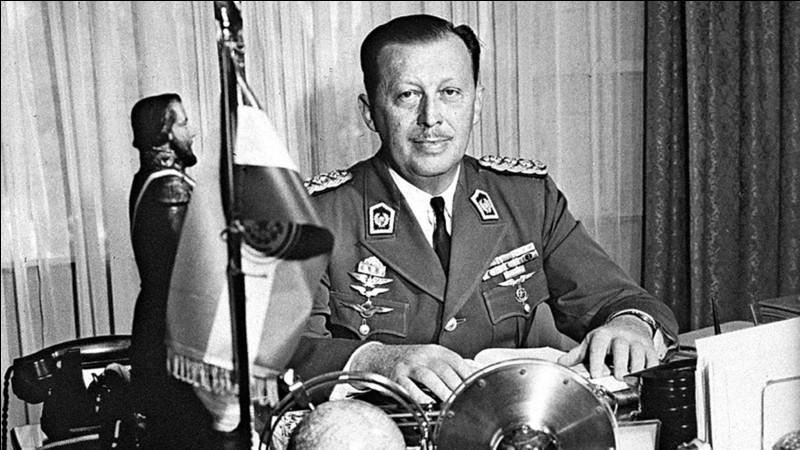 Surnommé el Rubio (le blond) en raison de ses origines allemandes, dans quel pays a sévi le dictateur Alfredo Stroessner de 1954 à 1989 ?