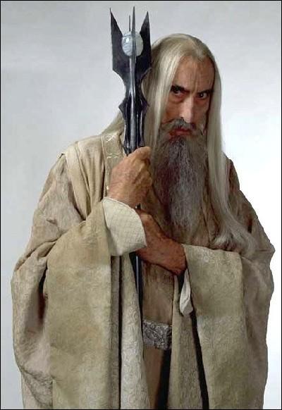 Il est le fidèle serviteur de Sauron, il est le chef du Conseil Blanc :