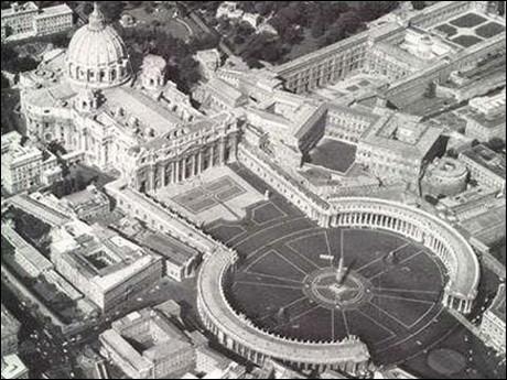 De Santa Maria ad Martyres (le Panthéon) à la toute dernière réalisée par l'archistar Richard Meier, en passant par l'incontournable San Pietro in Vaticano.Mais combien d'églises, basiliques, et autres monuments religieux compte Rome au total ?