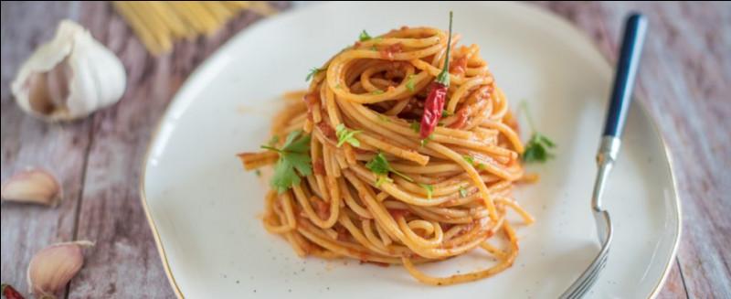 """Les pâtes longues alimentaires d'origine industrielle se classent selon le calibre utilisé pour le tréfilage au bronze.Ceci dit, quel numéro est attribué aux """"spaghetti"""" ?"""