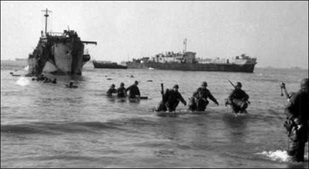 L'Italie aussi a eu son jour J, l'Opération Shingle, moins imposante que celle conduite sur les côtes normandes 6 mois après : 36.000 unités qui devaient à la fois détourner l'attention des forces allemandes déployées sur la ligne Gustave et faire cap sur Rome.Où les Alliés débarquèrent-ils le 22 janvier 1944 ?