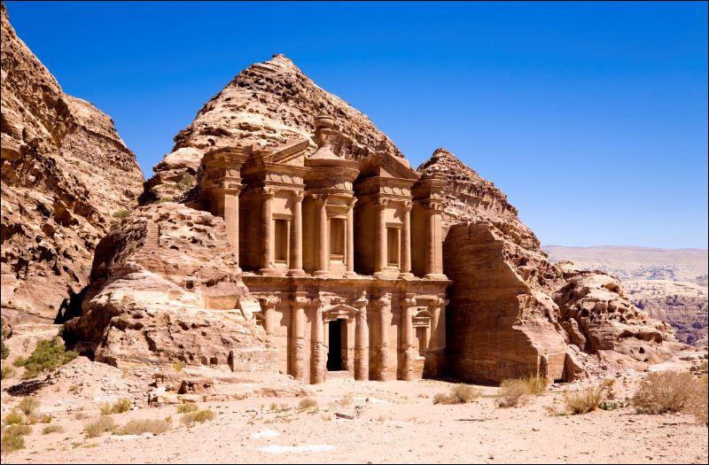 Par qui a été créé le site de Pétra, en Jordanie ?
