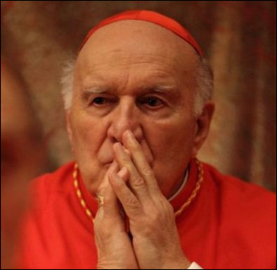 Son dernier grand rôle reste Habemus Papam de Moretti où il incarne le cardinal Melville futur Pape. Mais que se passe-t-il lorsqu'il apparaît au balcon du Vatican ?