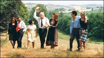 Le film raconte une dispute au sein d'une famille bourgeoise pour le partage de l'héritage autour d'une défunte. C'est...
