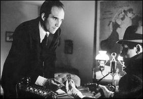 """Piccoli a croisé dans sa vie Jean-Pierre Melville le maître du polar à la française dans """"le Doulos"""" en 1962. Que signifie ce mot d'argot ?"""