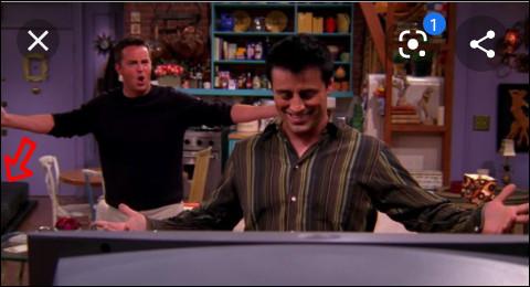 Comment s'appelle la télé de Joey et Chandler ?