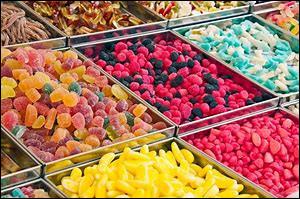Quel bonbon Haribo renferme un cœur de réglisse sous une carapace de sucre colorée ?
