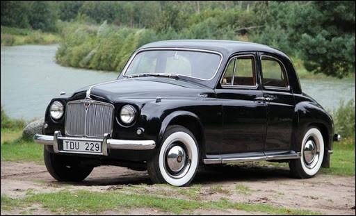 Cette berline à moteur quatre ou six cylindres est devenue emblématique du paysage automobile britannique des années 50. Quel est son nom ?