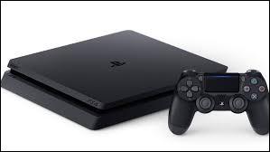 Quelle marque commercialise la PlayStation ?