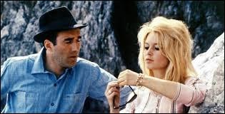 """Qui a réalisé le film """"Le Mépris"""" sorti en 1963 ?"""