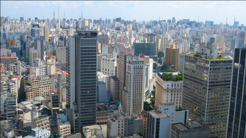 Quelle est la plus grande ville d'Amérique du Sud avec plus de 20 millions d'habitants ?
